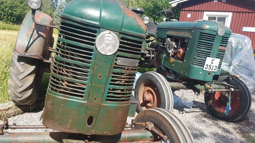 Veterantraktorer och gamla maskiner